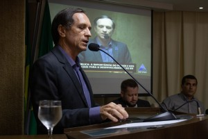 Afrânio Miranda, presidente da FCDL/RN discursa na ALRN. (Foto: Ana Luiza Vila Nova)