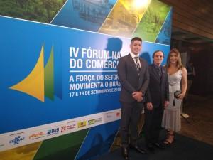 Augusto Vaz, presidente CDL Natal; Afrânio Miranda, presidente FCDL RN; e Maria Luisa Fontes, presidente CDL Jovem Natal no painel do IV Fórum.